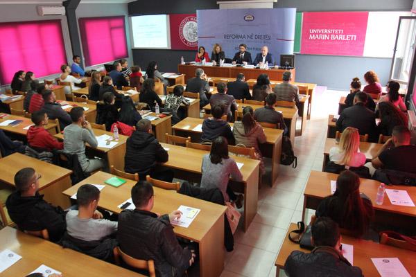 """Tryezë Universitare """"Reforma në Drejtësi, Ndyshimet kushtetuese për Drejtësinë"""""""